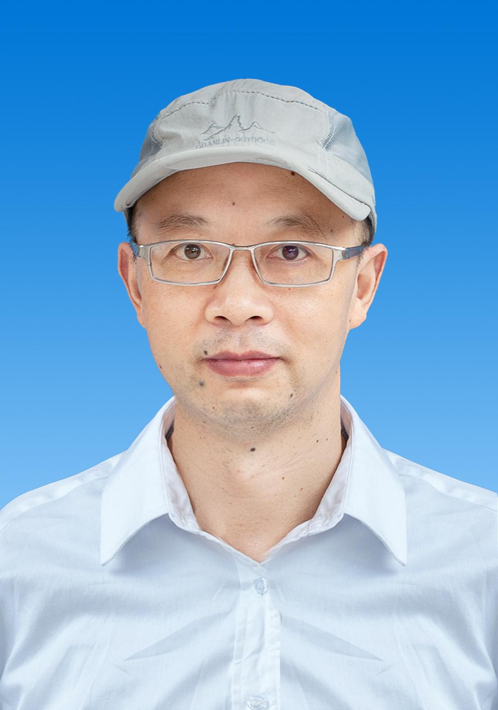 副教授 李琦